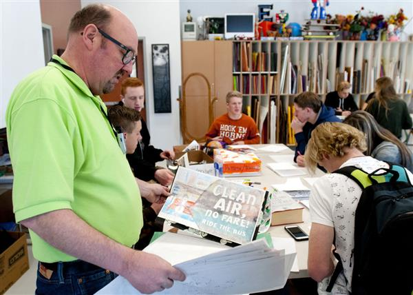 Ridgeline art students